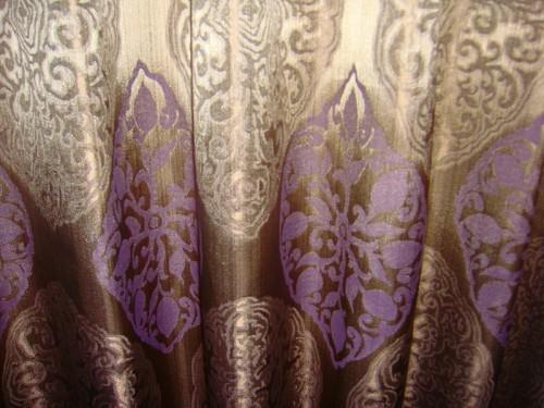 辛口クラッシックなカーテン