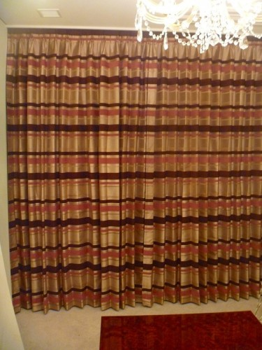 イギリス製」カーテン ボーダー ピンクのカーテン