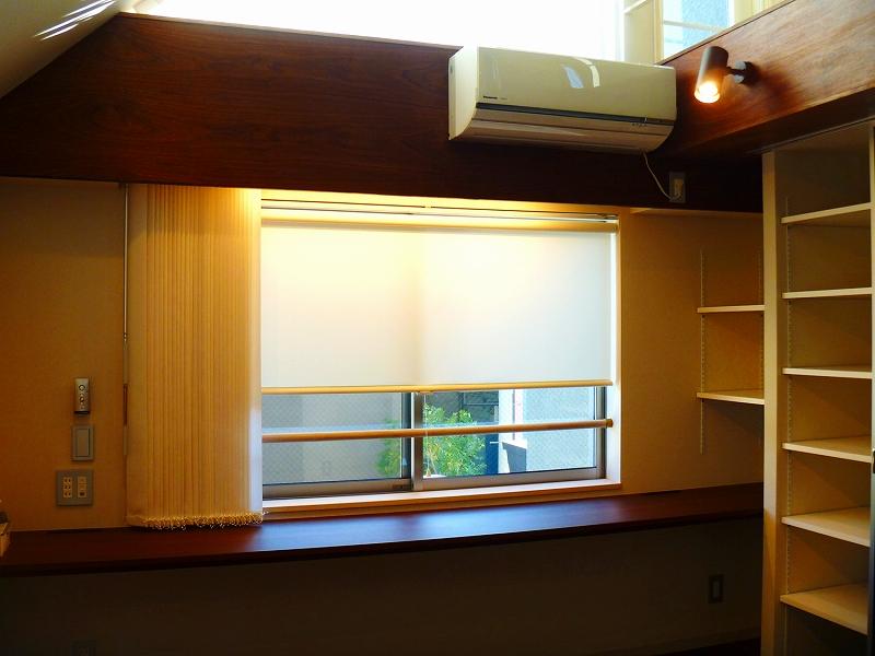 オーダーカーテン バーチカルブラインド 傾斜窓