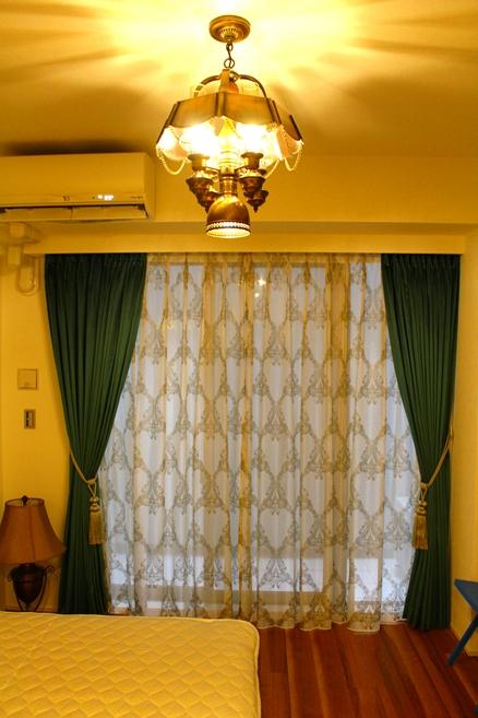 ヨーロッパのカーテン プチホテルのカーテン ベルベットのカーテン