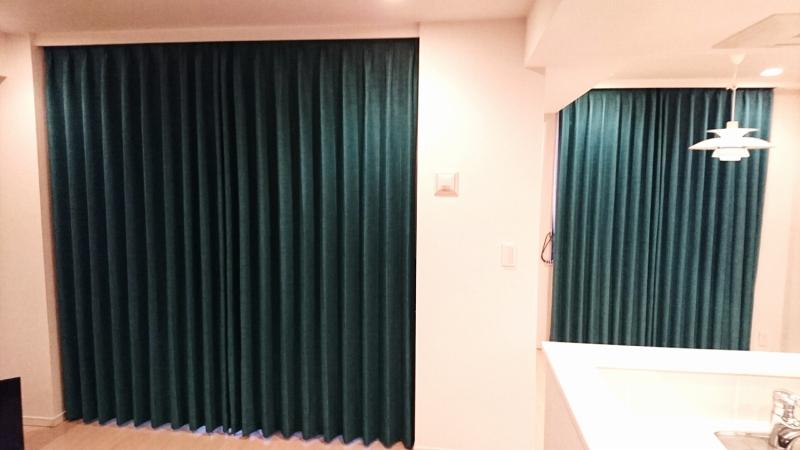深いグリーンのカーテン グリーンのベルベット ヨーロッパのカーテン
