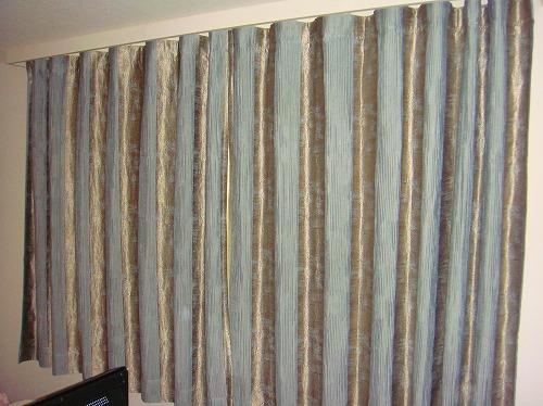 イギリス製カーテン フラットカーテン 青色カーテン