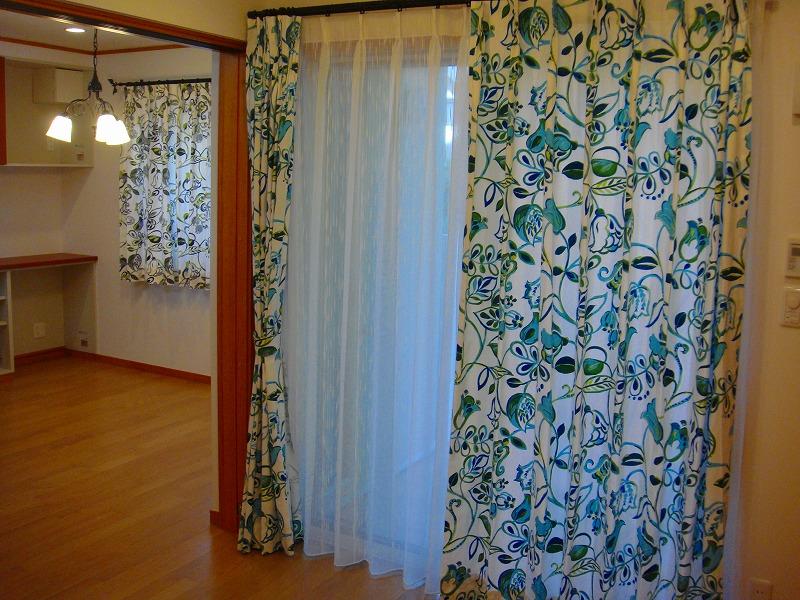花柄カーテン イギリスカーテン 青いカーテン