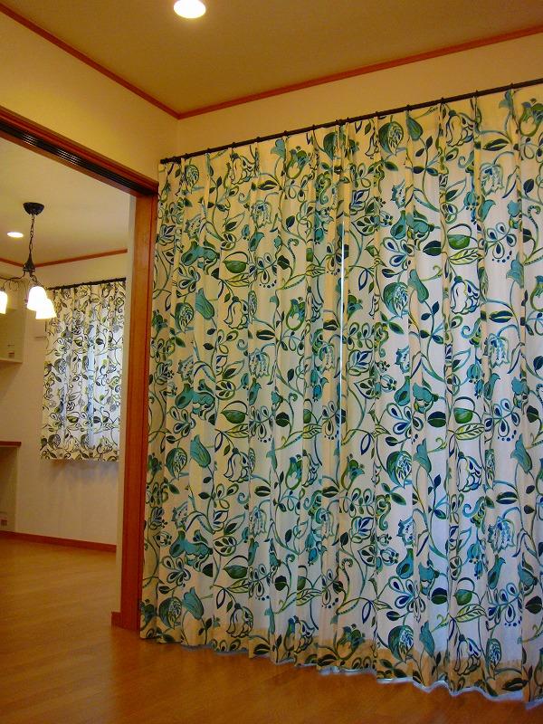 イギリスカーテン 花柄カーテン 明るいカーテン