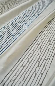 サテン地 モダン 白いカーテン