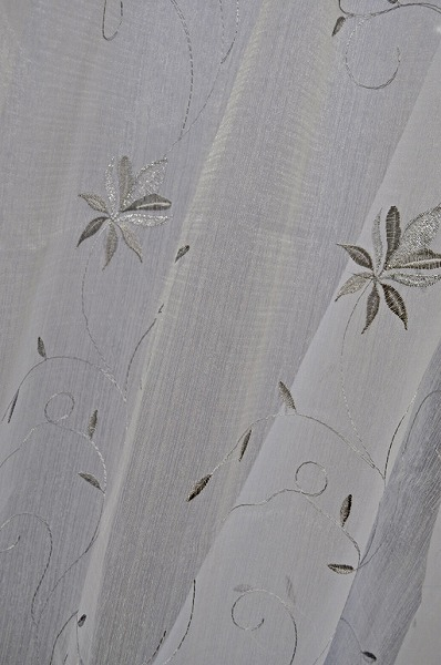 ODOACREシルバー刺繍