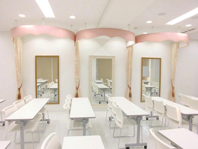 フィッティングルーム 美容専門学校 ウェディング