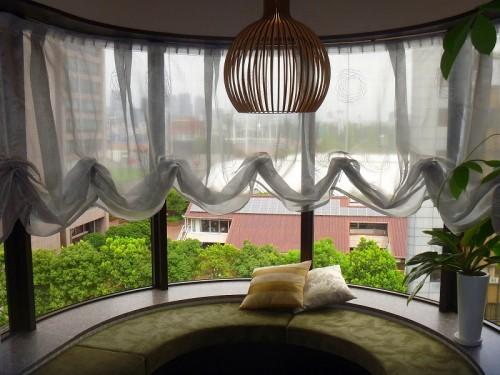 エステサロンのカーテン 遮熱レース バルーンスタイル