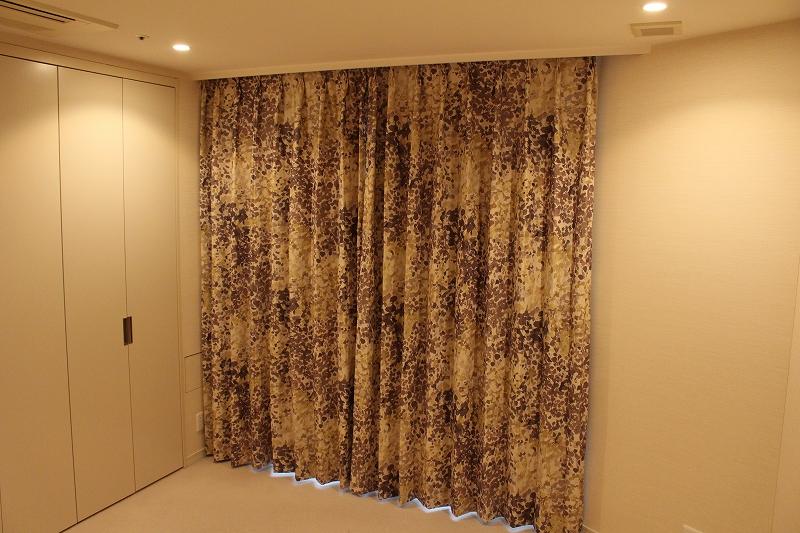 イギリスのカーテン 水彩画のようなカーテン 絵のようなカーテン