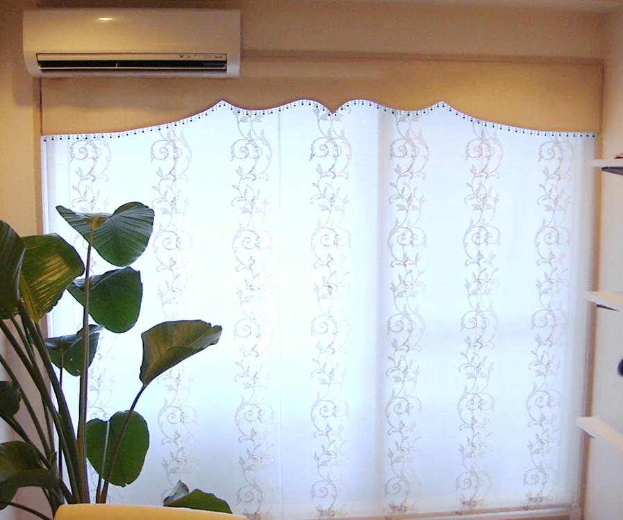 ボンディングバランス ダブルシェードのバランス 店舗のカーテン