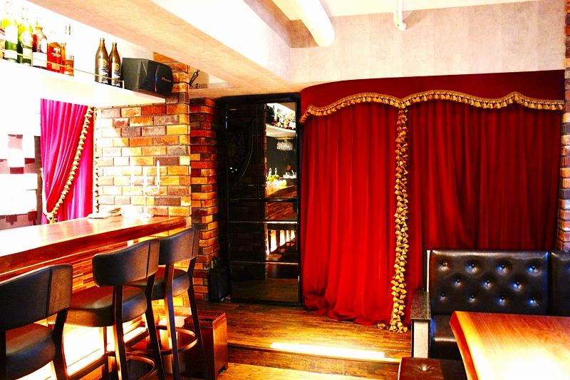 飲食店のカーテン 赤のベルベット 店舗のカーテン