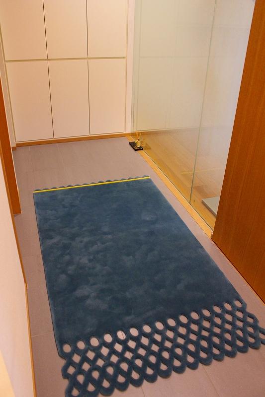 フィスバのカーテン オーダーラグ 玄関マット