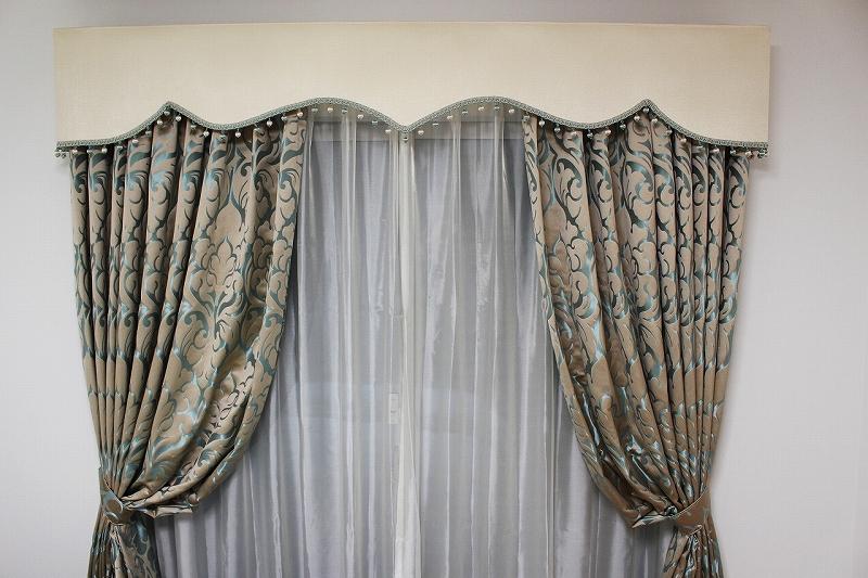 輸入カーテン バランス エレガントなカーテン