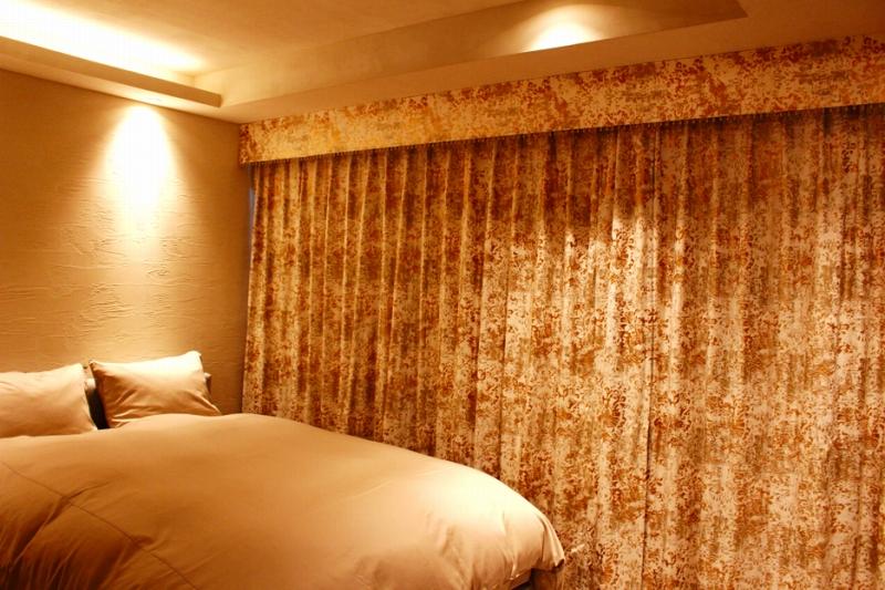 ヨーロッパのカーテン バランス アンティーク風のカーテン