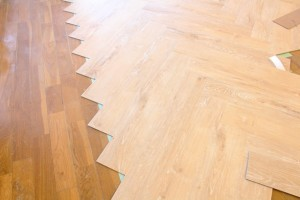 デザインフローリング 床材 ヘリンボーン貼り