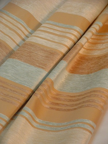 ollantaイギリス.140巾¥6,800(m) ドレープカーテン