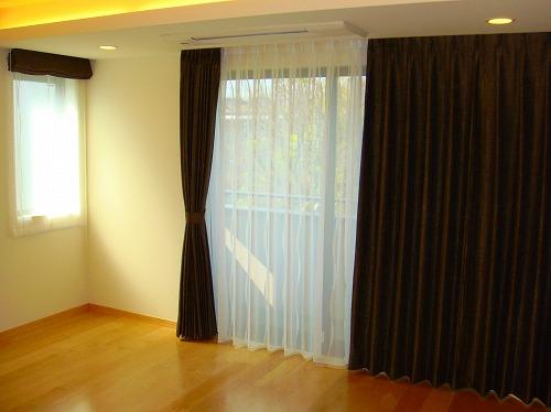 寝室カーテン ヨーロッパカーテン 茶