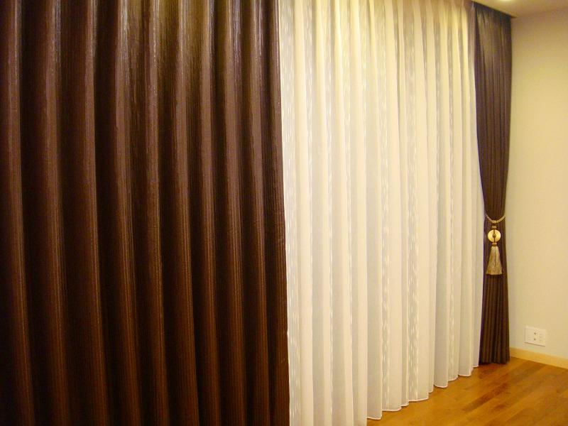 モダンホテルの様なインテリア ベッドルームカーテン