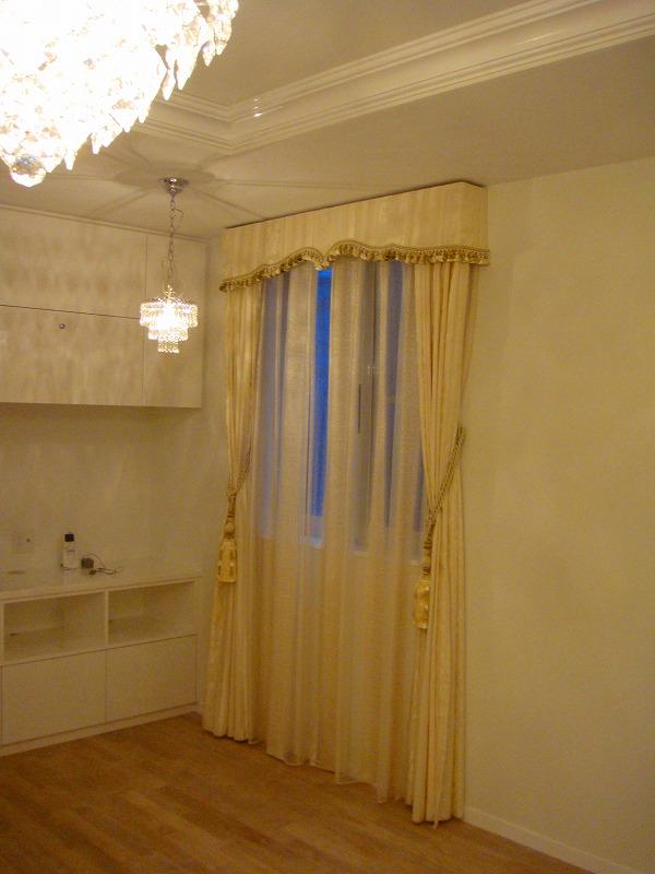 白いカーテン プリンセスインテリア