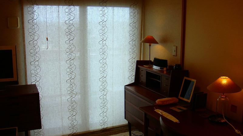 麻のカーテン
