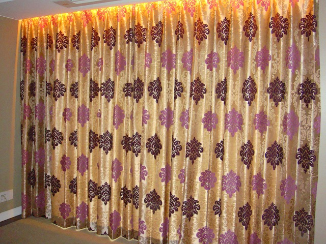 イギリス製ダマスク柄 パープルのカーテン