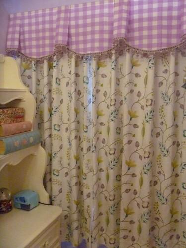 子供部屋 女の子の部屋 ギンガムのカーテン