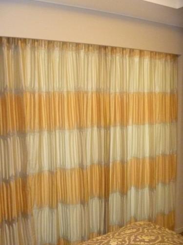 黄色いカーテン リッチカジュアル イギリスのカーテン