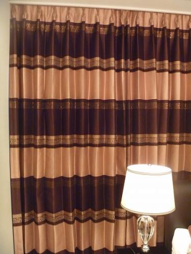 イギリス製カーテン ボーダー ピンクのカーテン