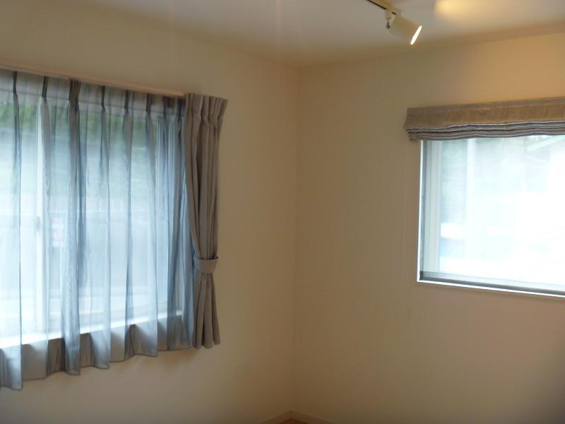 海外の遮光カーテン グレーの遮光カーテン カラーレース