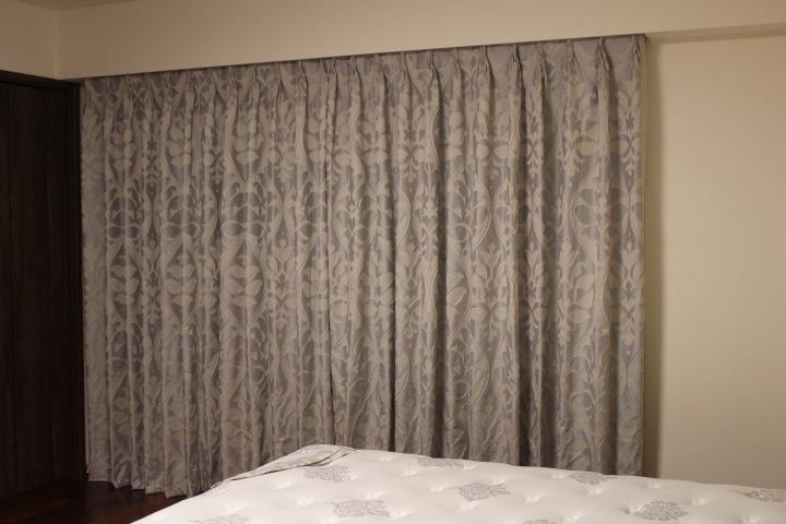 グレージュのカーテン イタリアのカーテン ダマスク柄