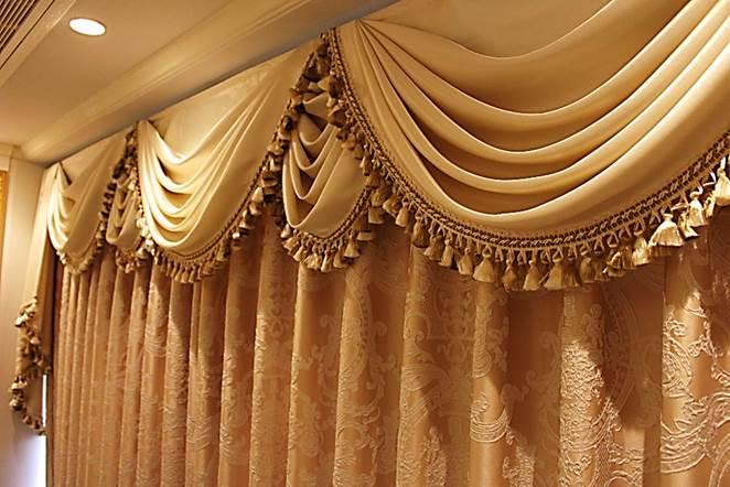 輸入カーテン エステサロンのカーテン バランスカーテン