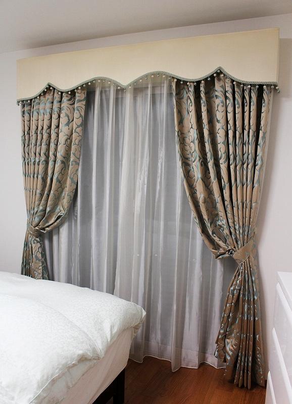 輸入カーテン バランス ヨーロッパのカーテン