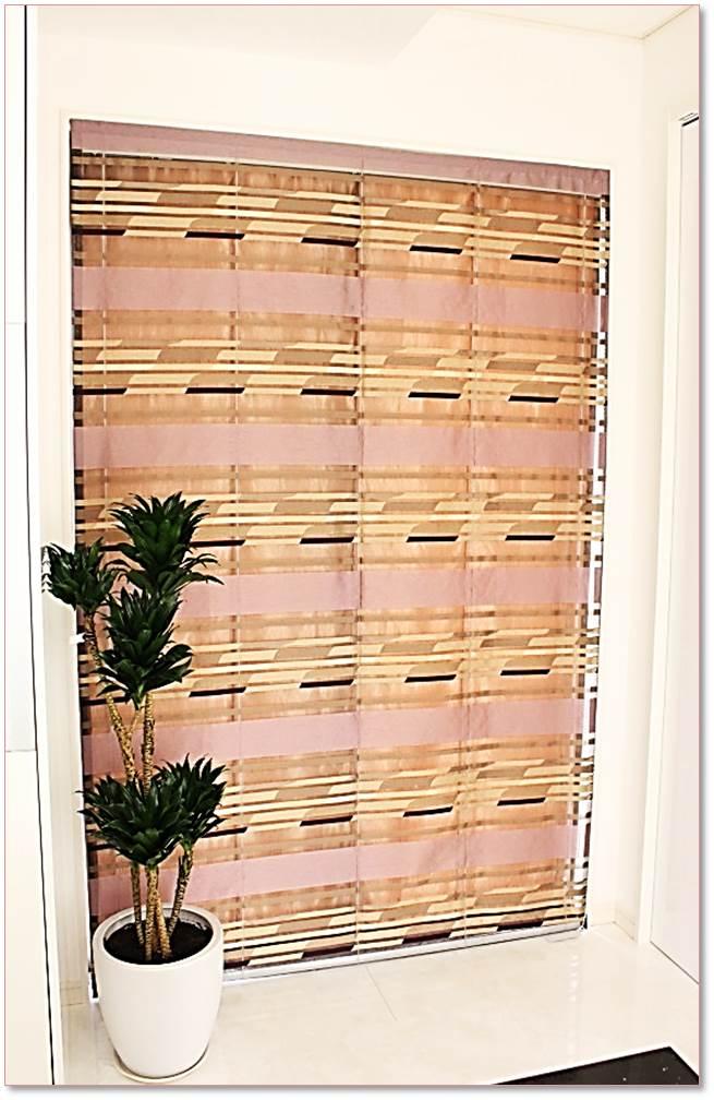 輸入カーテン 個性的な窓 リゾートホテル風インテリア