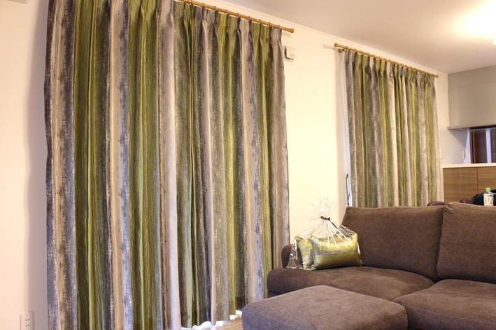グリーンのカーテン ナチュラルカラーのカーテン ヨーロッパのカーテン