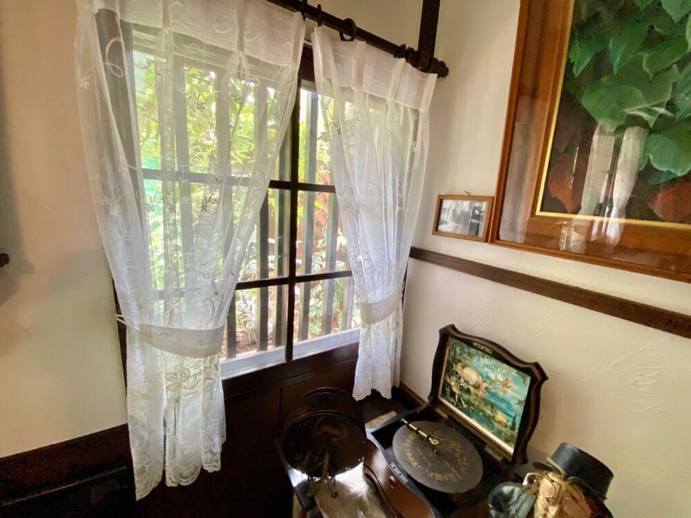 アンティーク家具 カーテン