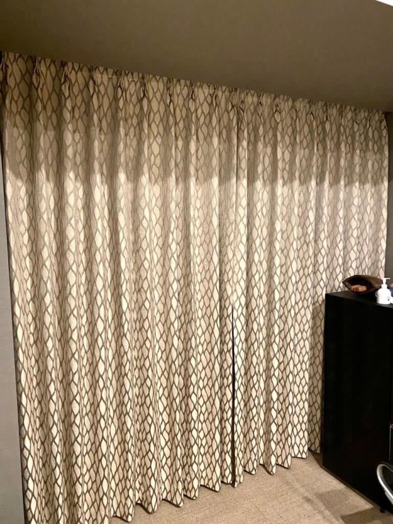 成功する人の部屋 モダンカーテン
